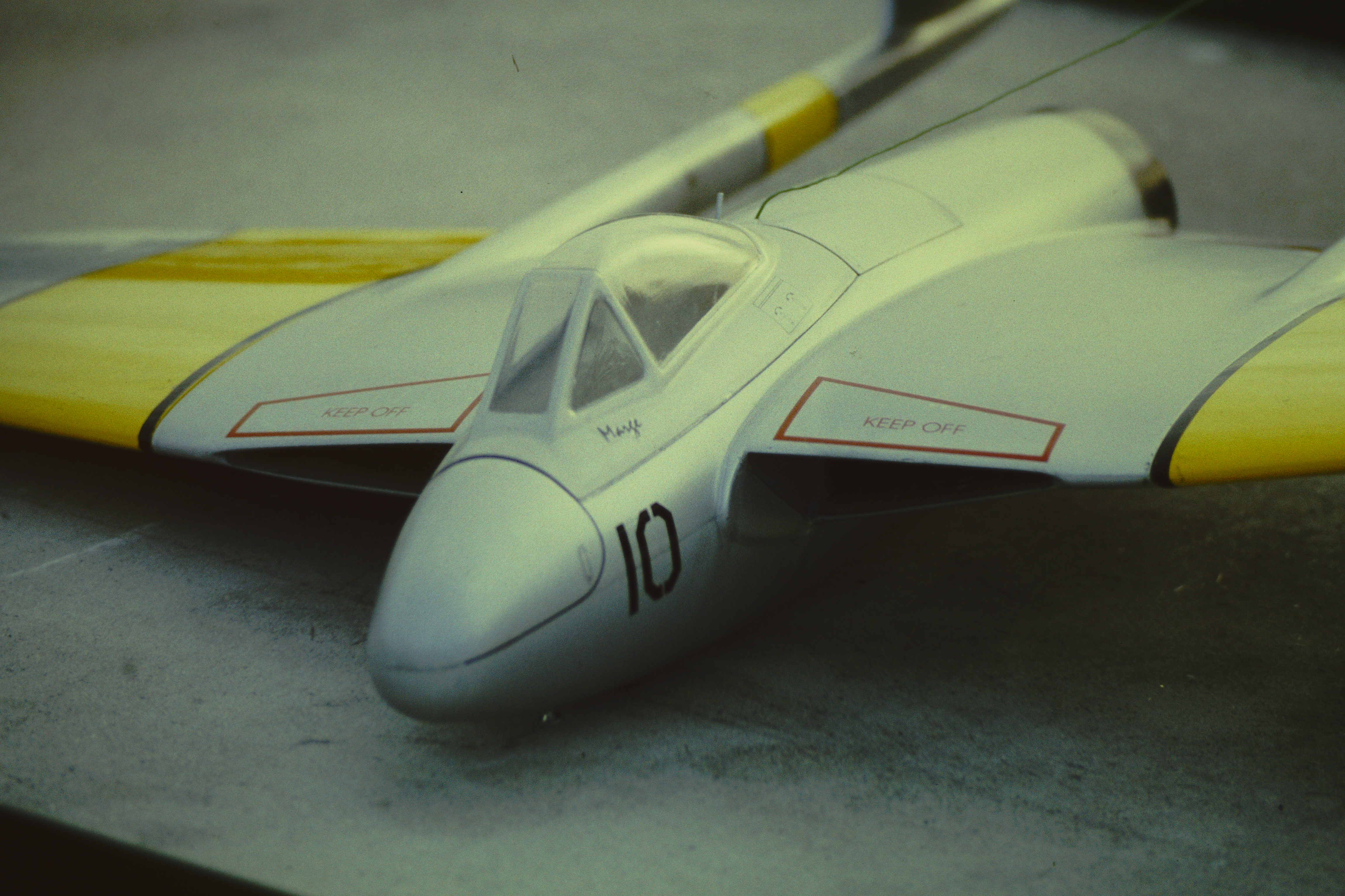 DH Vampire RC-Modell.jpg